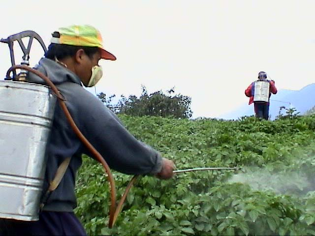 http://www.cpaphils.org/gallery/farm/pesticide_spray1a.jpg
